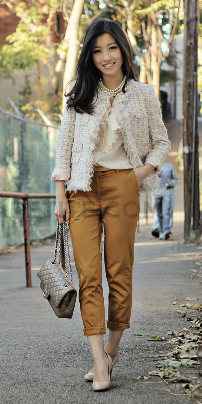 camel-chino-pants-white-top-blouse-pearl-necklace-tan-shoe-pumps-tweed-white-jacket-lady-fall-winter-work.jpg