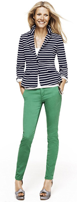 green-emerald-chino-pants-white-tee-blue-navy-jacket-blazer-stripe-gray-shoe-pumps-gwynethpaltrow-spring-summer-style-fashion-wear-blonde-work.jpg