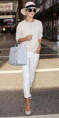 white-chino-pants-white-sweater-hat-panama-white-shoe-pumps-blue-bag-hand-sun-spring-summer-style-fashion-wear-rosiehuntingtonwhiteley-blonde-weekend.jpg