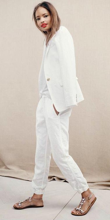 white-chino-pants-white-tee-gray-shoe-sandals-brun-spring-summer-wear-fashion-style-white-jacket-blazer-jcrew-lunch.jpg
