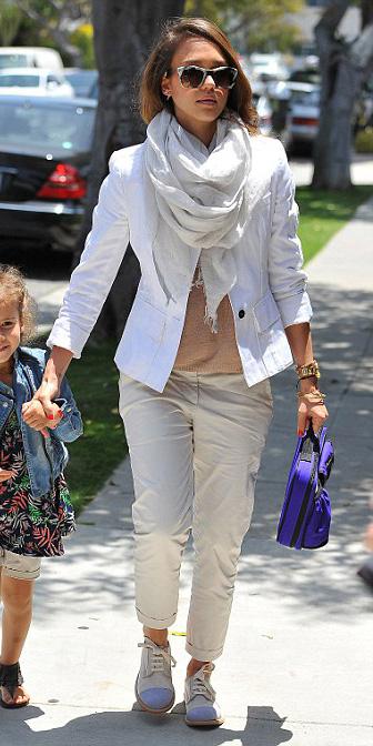 white-chino-pants-white-scarf-white-jacket-blazer-white-shoe-brogues-jessicaalba-sun-spring-summer-hairr-weekend.jpg