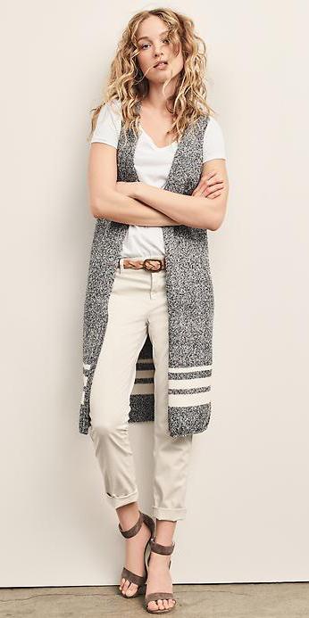 white-chino-pants-white-tee-belt-grayl-vest-knit-blonde-brown-shoe-sandalh-spring-summer-wear-fashion-style-gap-lunch.jpg