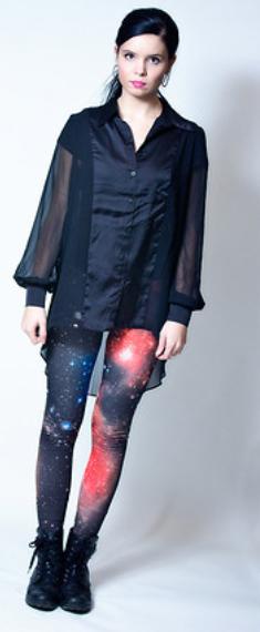 red-leggings-zprint-black-top-pony-sheer-wear-style-fashion-fall-winter-black-shoe-booties-galaxy-brun-lunch.jpg