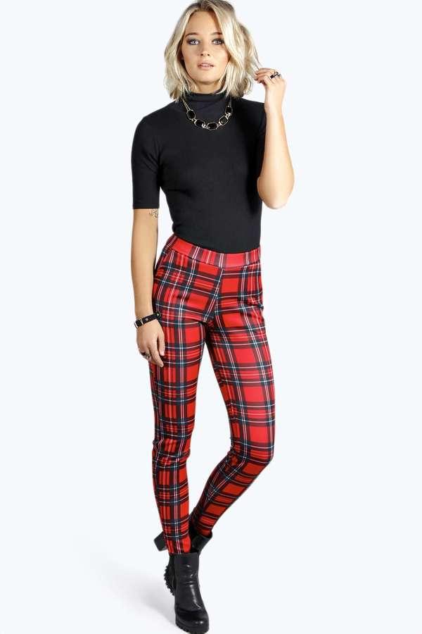 red-leggings-black-top-mockneck-bib-necklace-plaid-tartan-print-black-shoe-booties-fall-winter-blonde-dinner.jpg