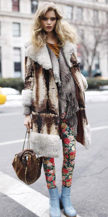 red-leggings-floral-print-blue-shoe-booties-brown-bag-tan-jacket-coat-fur-fuzz-fall-winter-blonde-weekend.jpg
