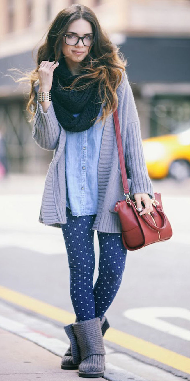 blue-navy-leggings-blue-light-collared-shirt-red-bag-gray-shoe-booties-wear-outfit-fashion-fall-winter-grayl-cardiganl-black-scarf-hairr-weekend.jpg
