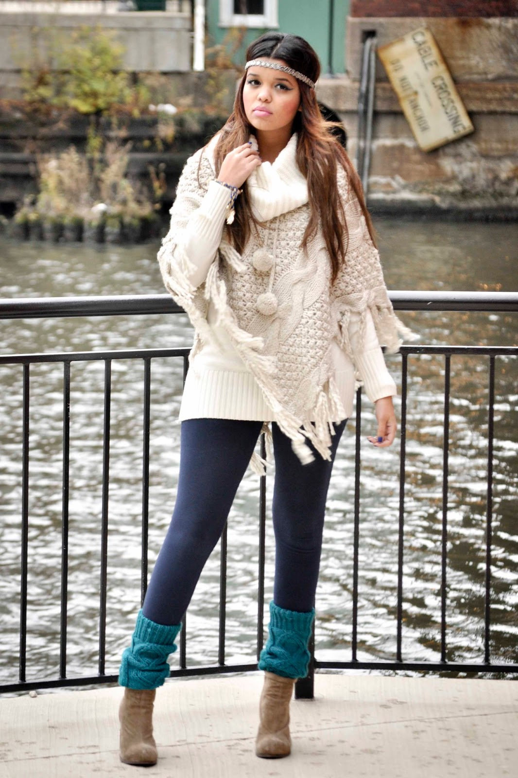 blue-navy-leggings-white-sweater-poncho-hairr-head-socks-tan-shoe-booties-fall-winter-weekend.jpg