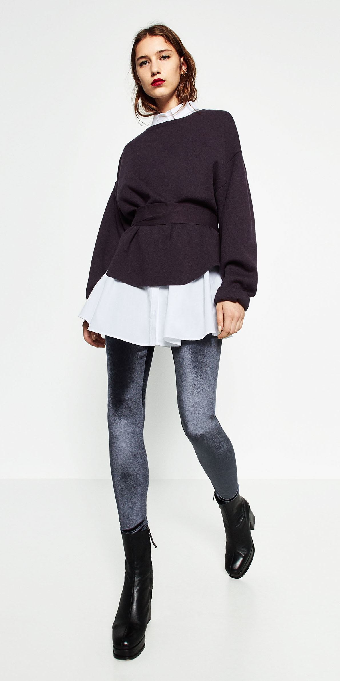 blue-navy-leggings-blue-navy-sweater-white-collared-shirt-layer-velvet-black-shoe-booties-fall-winter-hairr-lunch.jpg