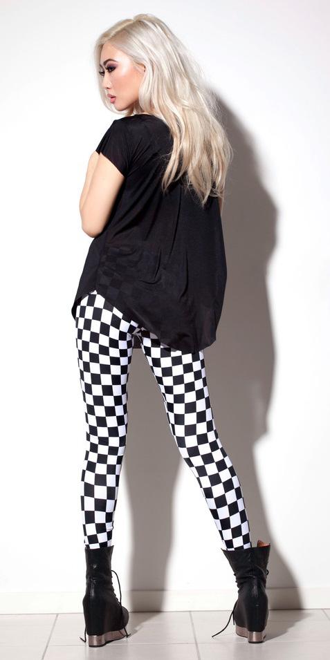 white-leggings-black-tee-checkered-print-black-shoe-booties-fall-winter-blonde-lunch.jpg