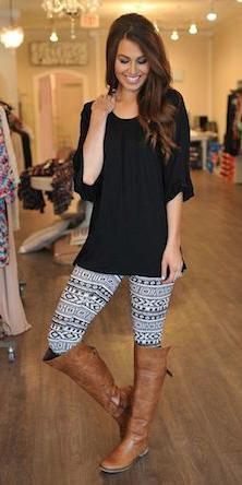 white-leggings-zprint-black-top-cognac-shoe-boots-wear-outfit-fashion-fall-winter-hairr-weekend.jpg