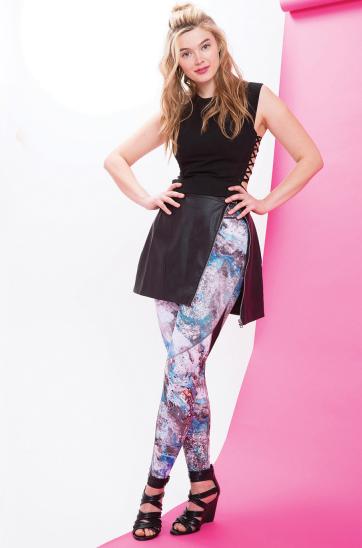 white-leggings-zprint-black-top-black-shoe-sandalw-wear-style-fashion-spring-summer-athleisure-blonde-dinner.jpg