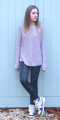 grayd-leggings-white-shoe-sneakers-purple-light-sweater-fall-winter-hairr-weekend.jpg