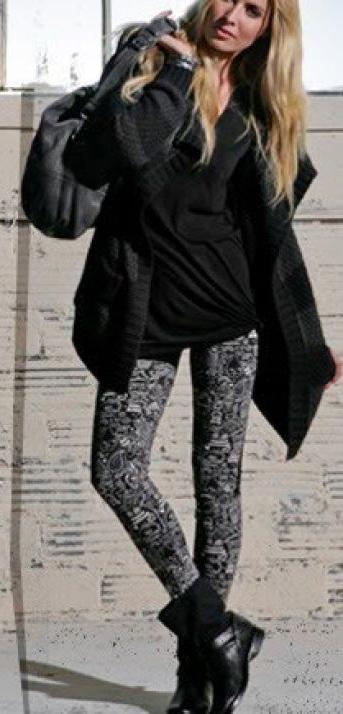 grayd-leggings-print-black-tee-black-shoe-booties-fall-winter-blonde-weekend.jpg