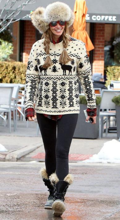 black-leggings-white-sweater-red-plaid-shirt-ellemacpherson-ski-outfit-howtowear-fashion-style-fall-winter-fairisle-fur-hat-apreski-snow-black-shoe-booties-braid-blonde-classic-weekend.jpg