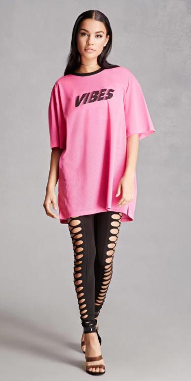 black-leggings-cutout-pink-magenta-graphic-tee-choker-fall-winter-brun-lunch.jpg