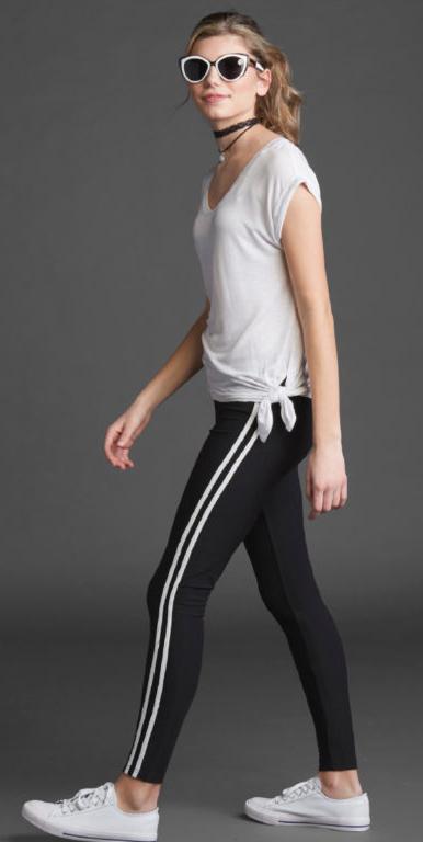 black-leggings-white-tee-choker-bun-sun-racerstripe-white-shoe-sneakers-howtowear-fashion-style-outfit-spring-summer-blonde-weekend.jpg