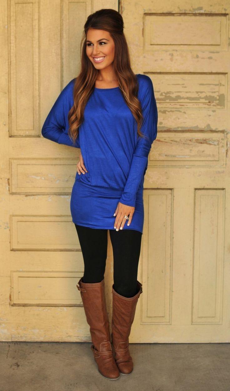 black-leggings-blue-navy-tee-cobalt-cognac-shoe-boots-fall-winter-hairr-lunch.jpg