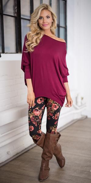 black-leggings-r-burgundy-sweater-tunic-floral-print-brown-shoe-boots-howtowear-fashion-style-outfit-blonde-fall-winter-weekend.jpg