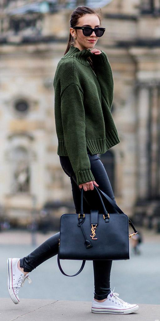 black-leggings-green-dark-sweater-sun-brun-pony-black-bag-white-shoe-sneakers-fall-winter-weekend.jpg