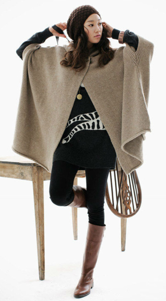 black-leggings-black-sweater-wear-style-fashion-fall-winter-brown-shoe-boots-tan-cardiganl-poncho-beanie-graphic-brun-lunch.jpg