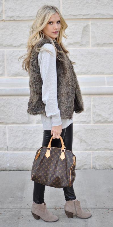 black-leggings-grayl-sweater-brown-bag-tan-shoe-booties-brown-vest-fur-blonde-fall-winter-weekend.jpg