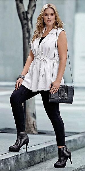 black-leggings-black-top-tank-white-vest-trench-wear-style-fashion-spring-summer-black-shoe-booties-black-bag-bracelet-nightout-blonde-dinner.jpg