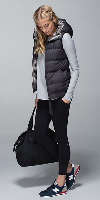 black-leggings-grayl-tee-black-vest-puffer-blue-shoe-sneakers-fall-winter-blonde-weekend.jpg
