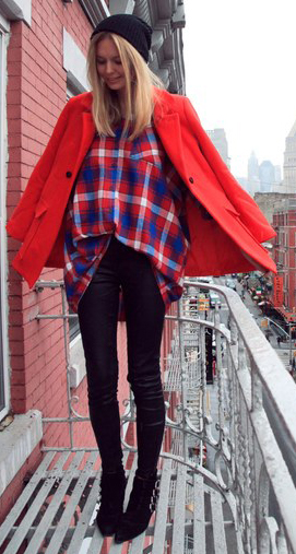 black-leggings-red-top-beanie-wear-outfit-fashion-fall-winter-plaid-red-jacket-coat-blonde-black-shoe-booties-lunch.jpg