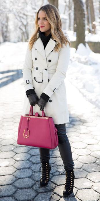 black-leggings-pink-bag-tote-blonde-gloves-black-sweater-turtleneck-black-shoe-booties-white-jacket-coat-trench-fall-winter-work.jpg
