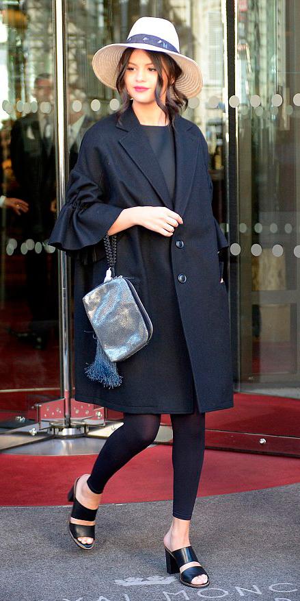 black-leggings-black-top-gray-bag-clutch-bun-wear-style-fashion-spring-summer-black-shoe-sandalh-selenagomez-paris-hat-black-jacket-coat-brun-classic-lunch.jpg