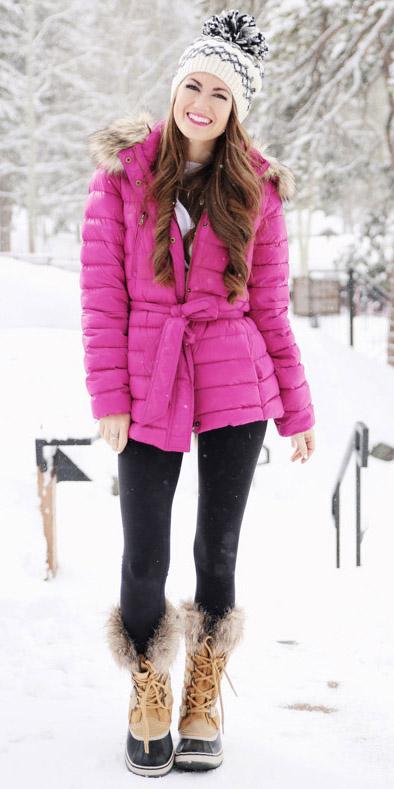 black-leggings-beanie-tan-shoe-boots-snow-pink-magenta-jacket-coat-puffer-fall-winter-hairr-weekend.jpg