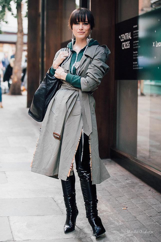 black-leggings-patent-leather-green-dark-cardigan-hoodie-brun-green-olive-jacket-coat-trench-black-bag-earrings-fall-winter-lunch.jpg