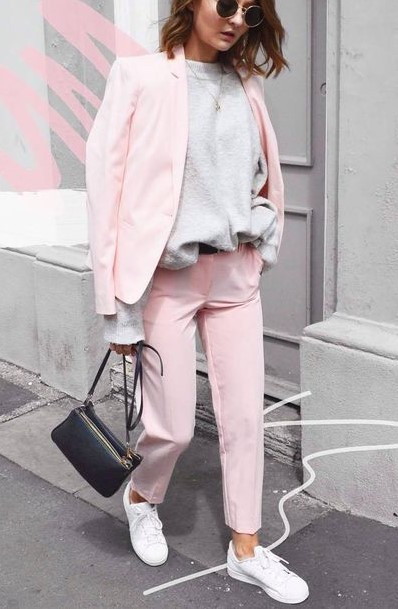 pink-light-slim-pants-white-shoe-sneakers-grayl-sweater-suit-pink-light-jacket-blazer-hairr-black-bag-sun-fall-winter-weekend.jpg