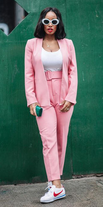 pink-light-slim-pants-suit-white-tee-sun-brun-lob-white-shoe-sneakers-pink-light-jacket-blazer-spring-summer-lunch.jpg