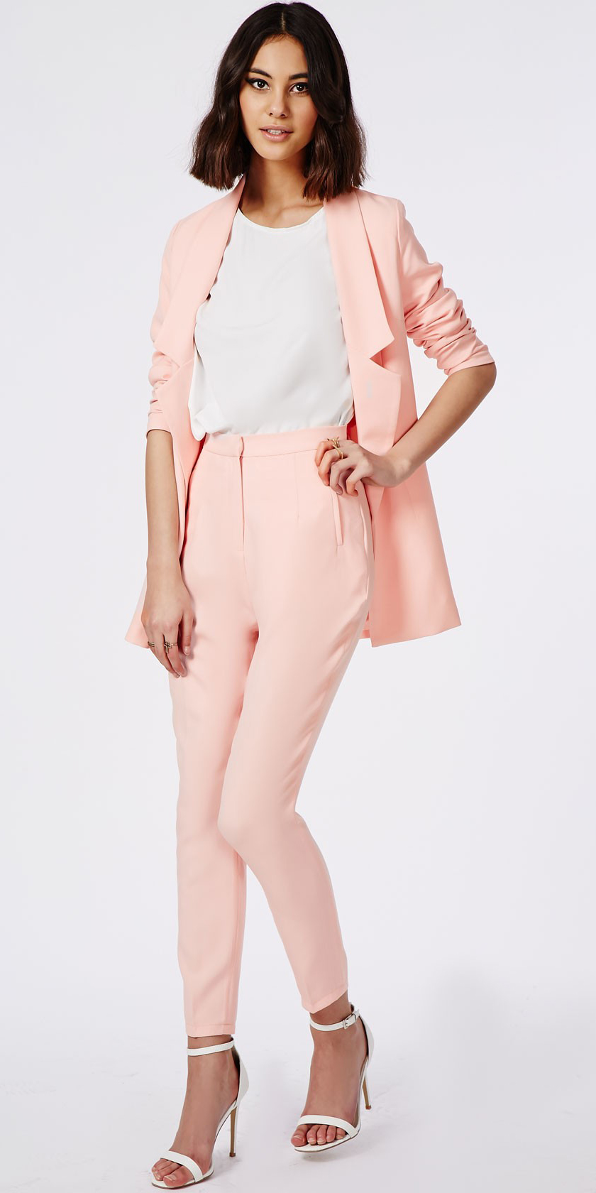 r-pink-light-slim-pants-white-top-pink-light-jacket-blazer-suit-white-shoe-sandalh-howtowear-fashion-style-outfit-spring-summer-brun-dinner.jpg
