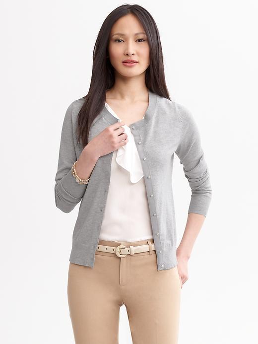 o-tan-slim-pants-white-top-belt-grayl-cardigan-spring-summer-brun-work.jpg