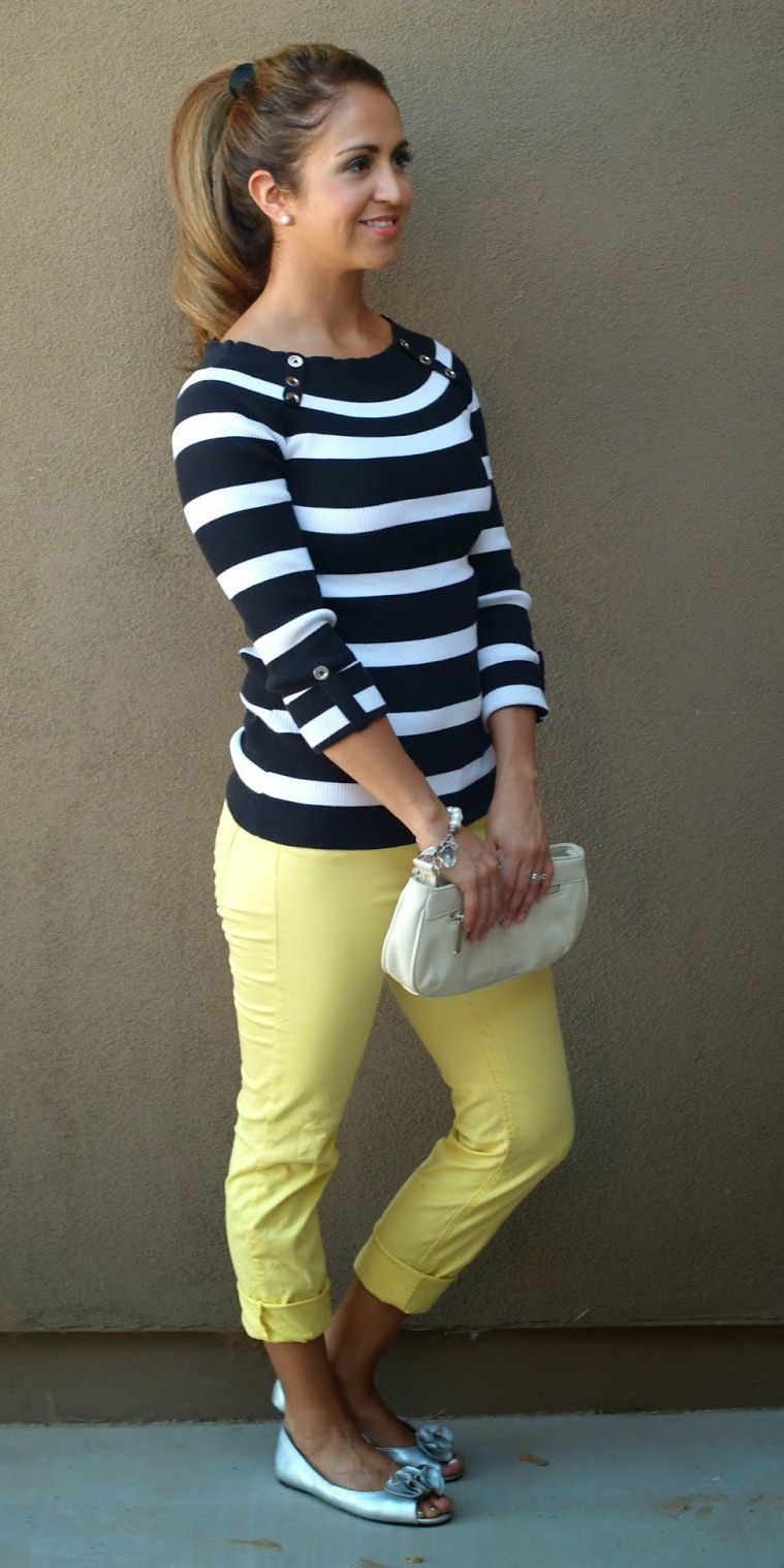 yellow-slim-pants-black-top-stripe-white-bag-clutch-gray-shoe-flats-pony-howtowear-fashion-style-outfit-spring-summer-hairr-lunch.JPG
