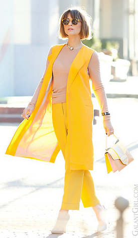 yellow-slim-pants-tan-sweater-tonal-yellow-vest-tailor-hairr-bob-pink-bag-spring-summer-lunch.jpg