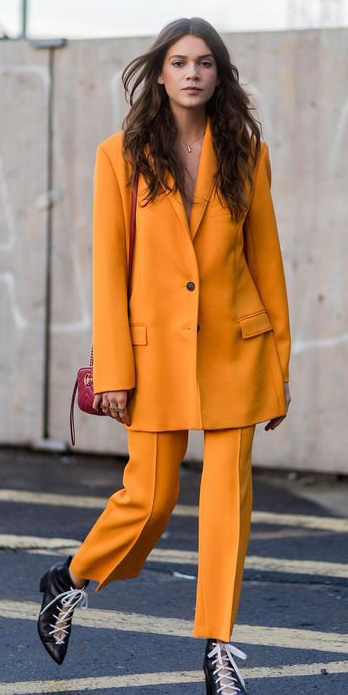 yellow-slim-pants-suit-red-bag-yellow-jacket-blazer-black-shoe-booties-brun-fall-winter-lunch.jpg