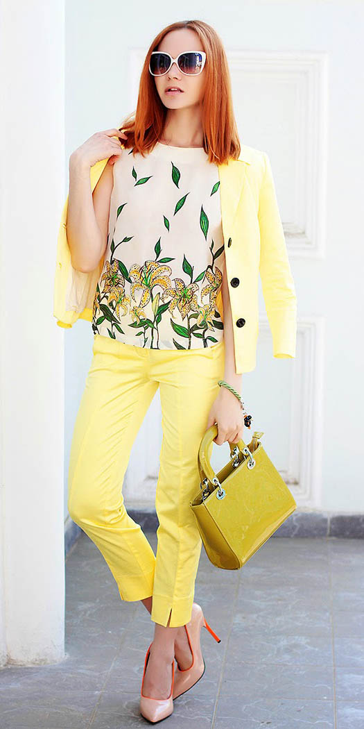 yellow-slim-pants-green-emerald-top-print-yellow-bag-sun-tan-shoe-pumps-yellow-jacket-blazer-howtowear-fashion-style-outfit-spring-summer-hairr-lunch.jpg