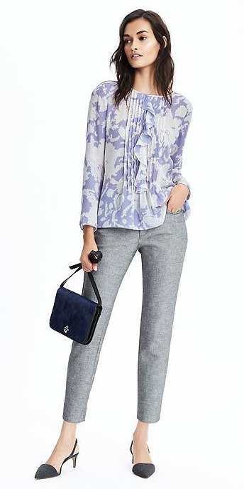 grayl-slim-pants-blue-light-top-blouse-blue-bag-howtowear-floral-tweed-gray-shoe-pumps-spring-summer-brun-work.jpg