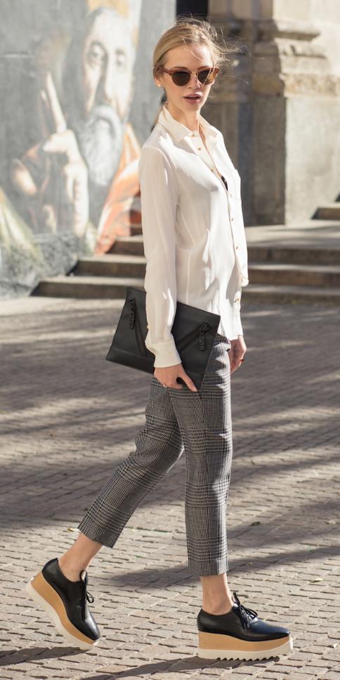 grayl-slim-pants-white-top-blouse-black-bag-clutch-sun-pony-howtowear-fashion-style-outfit-fall-winter-tweed-platform-black-shoe-brogues-blonde-lunch.jpg