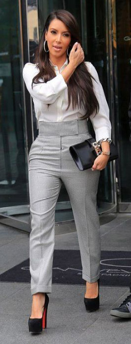 grayl-slim-pants-highwaist-white-top-blouse-hoops-black-shoe-pumps-black-bag-kimkardashian-brun-fall-winter-work.jpg