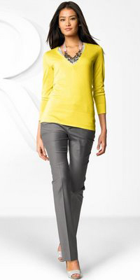 grayl-slim-pants-yellow-sweater-bib-necklace-spring-summer-brun-work.jpg