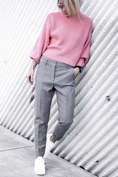 grayl-slim-pants-white-shoe-sneakers-pink-light-sweater-fall-winter-blonde-lunch.jpg