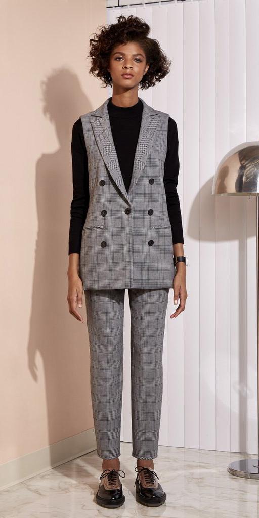 grayl-slim-pants-black-sweater-brun-black-shoe-brogues-grayl-vest-tailor-fall-winter-work.jpg