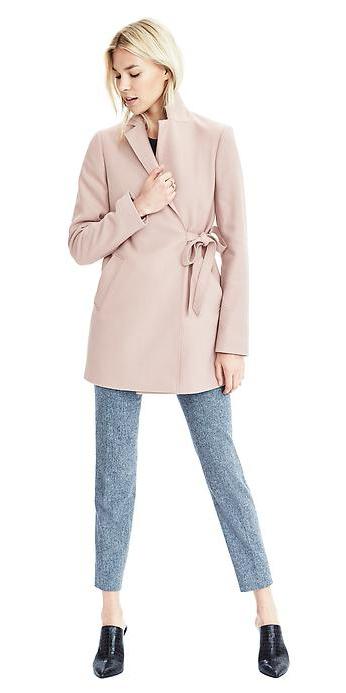 grayl-slim-pants-black-tee-tan-jacket-coat-black-shoe-booties-stylefashion-howtowear-fall-winter-blonde-work.jpg