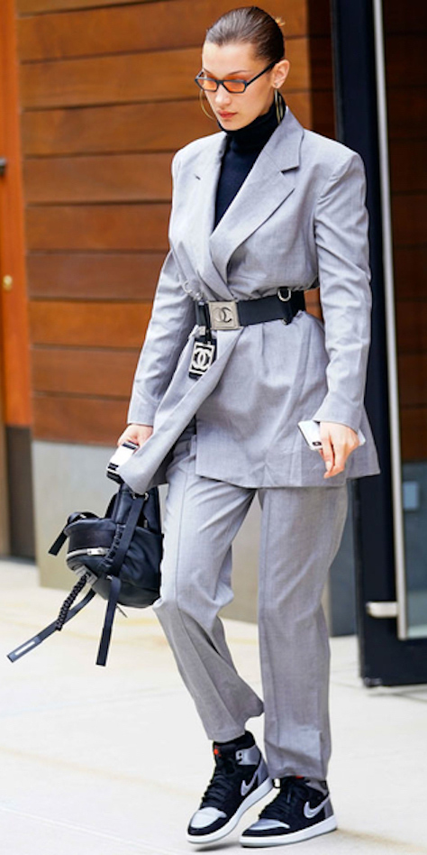 grayl-slim-pants-suit-black-tee-turtleneck-brun-sun-bun-hoops-belt-grayl-jacket-blazer-black-shoe-sneakers-black-bag-fall-winter-lunch.jpg