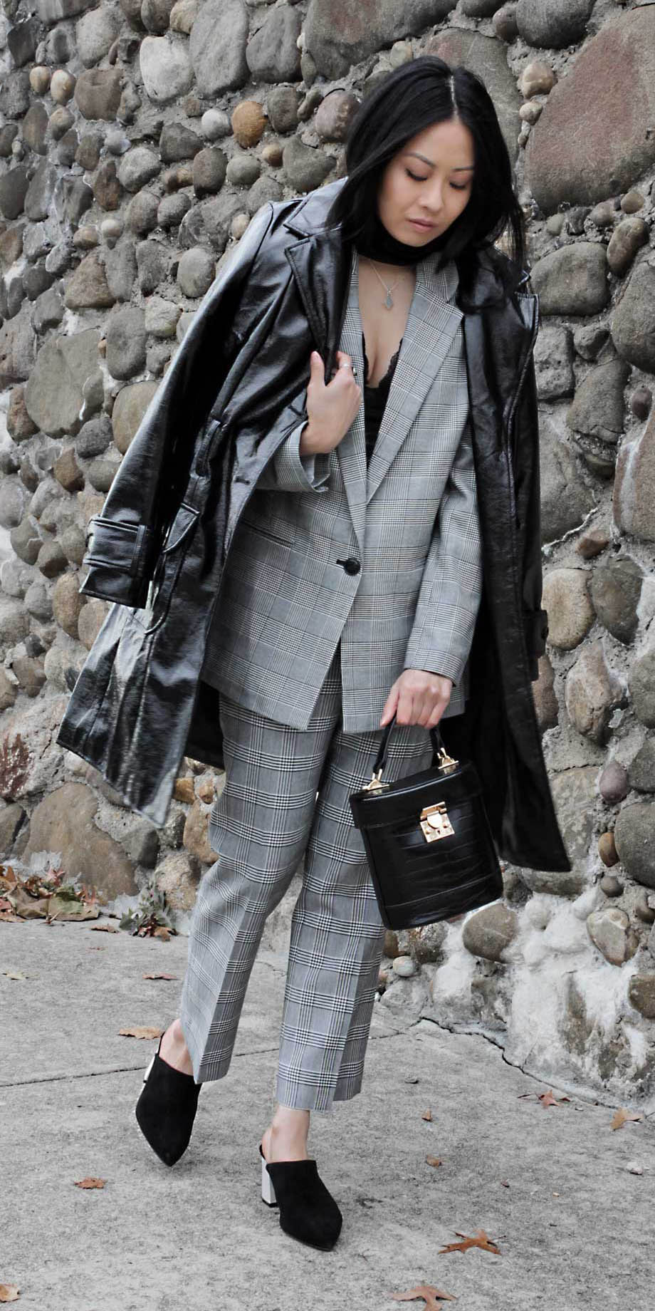 grayl-slim-pants-grayl-jacket-blazer-black-bag-brun-black-shoe-pumps-jacket-coat-trench-fall-winter-dinner.jpg