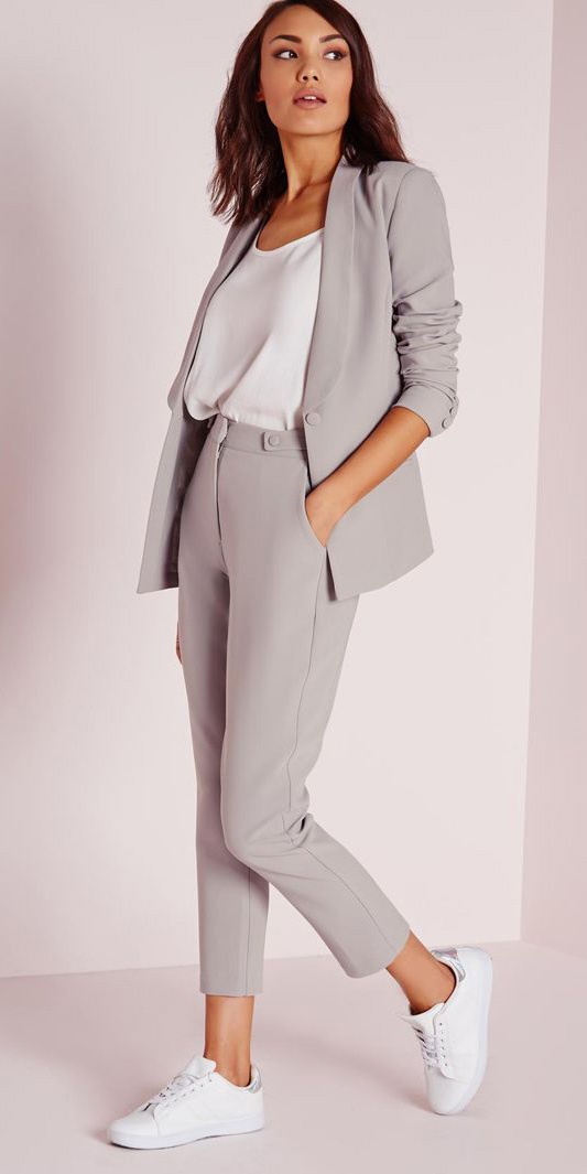 grayl-slim-pants-suit-white-cami-grayl-jacket-blazer-white-shoe-sneakers-spring-summer-brun-work.jpg